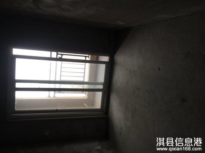 鹤淇大道旁鑫宇城市花园房子出售